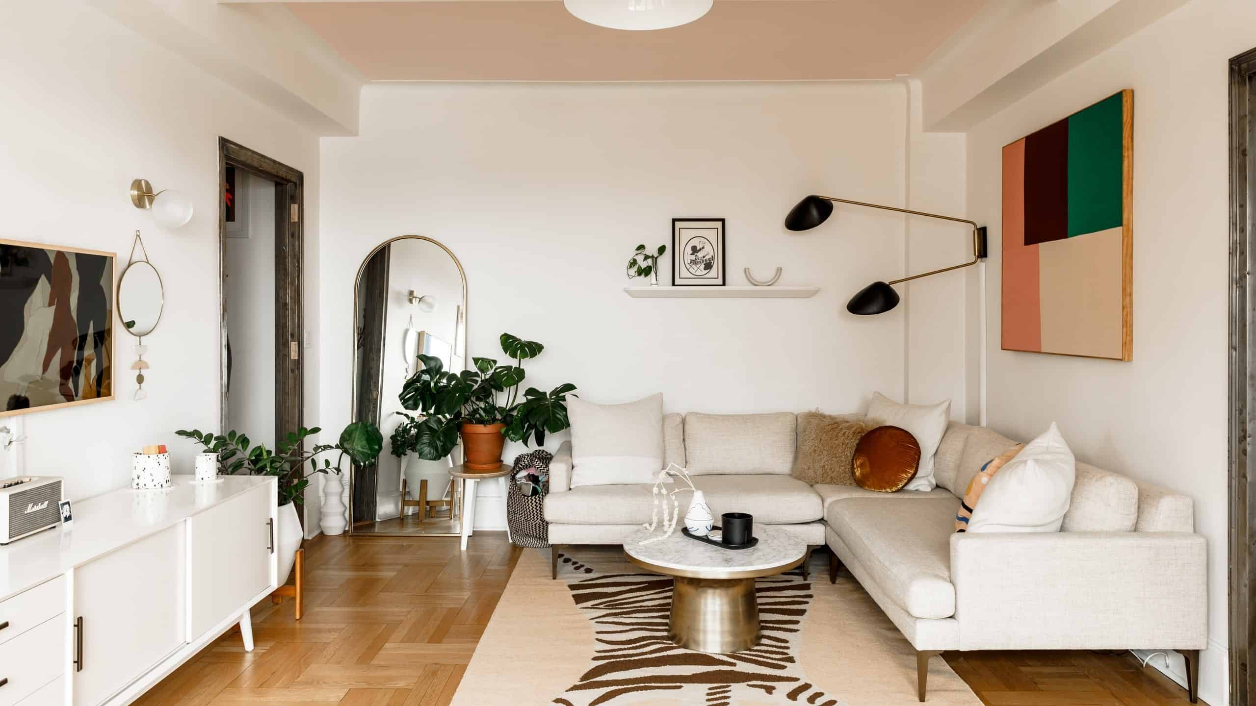 Most Prominent furniture pieces that can change your entire home style